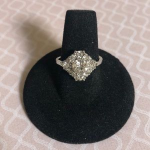 Jewelry - SALE! Silver Cluster Ring, size 8